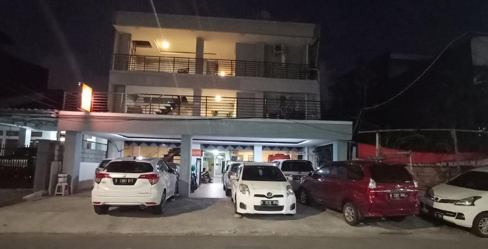 OYO 90251 Makaliwe Residence, West Jakarta