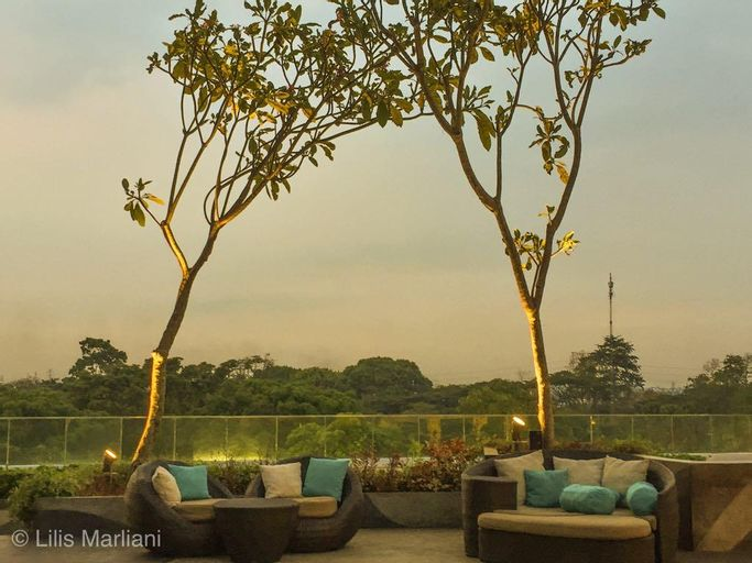 Golf  View Staycation next to Mall, Tangerang