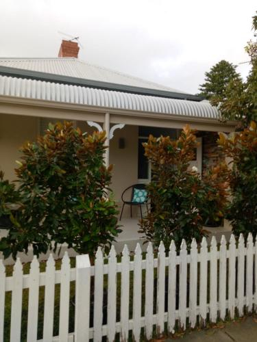 FUNKY COTTAGE, Fremantle