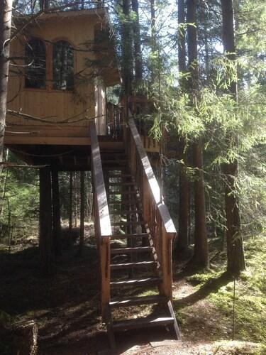 Urnatur Eco Treehouse Lodge, Ödeshög
