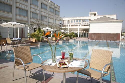 Treehouse Hotel Club & SPA, Alwar