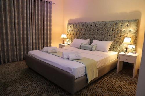 Hotel Capri Mc, Chilaw