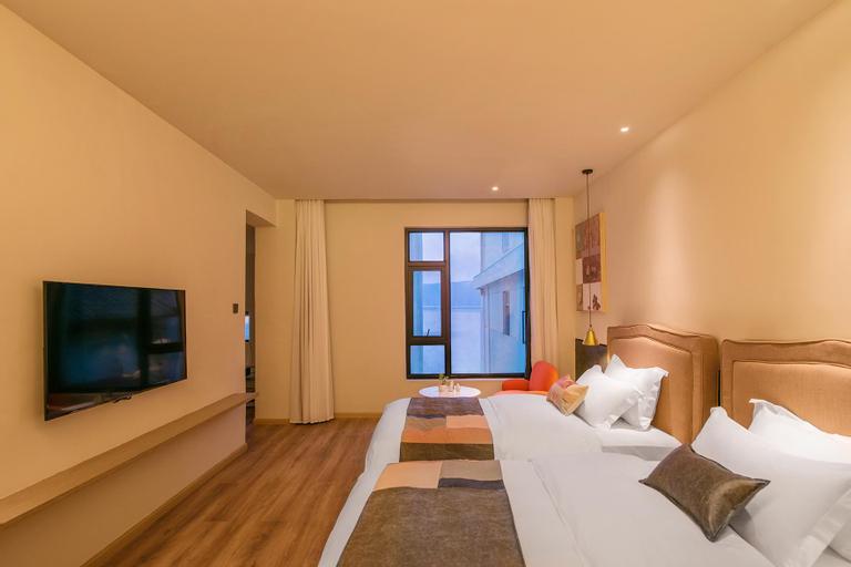 family suite, Chuxiong Yi