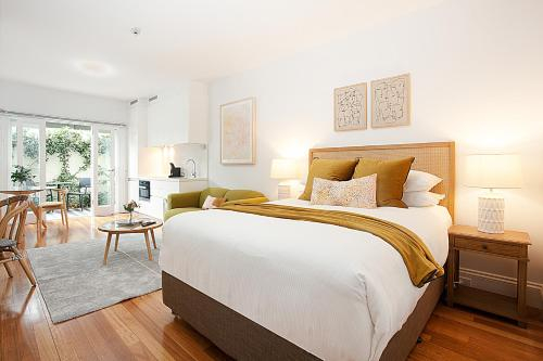 Leafy and Tranquil Inner West Studio Apartment, Marrickville
