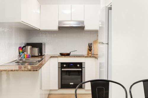 Suburban Two-bed Apartment with Parking and Patio, Burwood