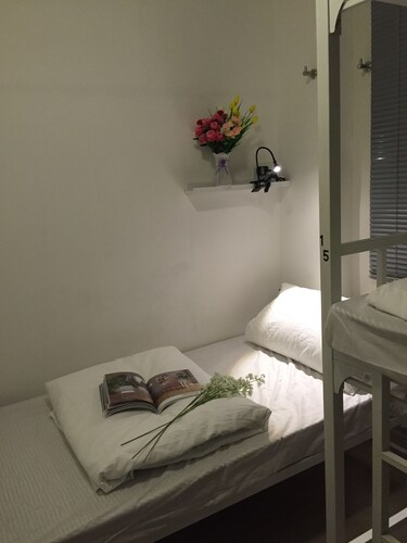 Apple Hotel (Sai Ying Pun), Central and Western