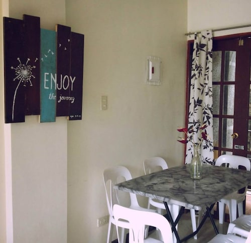 Teds Place 2BR Apartment, Baguio City