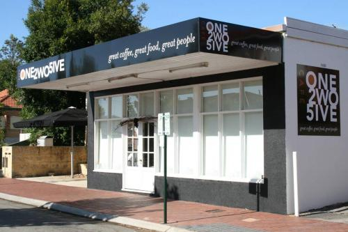 B8 Cafes, Resturants, UWA close to SCGH, Subiaco
