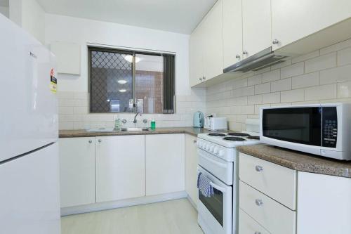 Perfect location unit in South Perth, South Perth