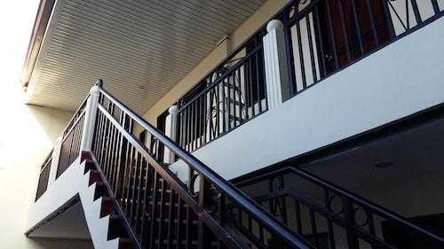 Poleng Suites Hotel, Angeles City
