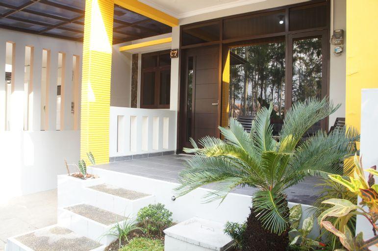 Villa Batu Residence C-7, Malang