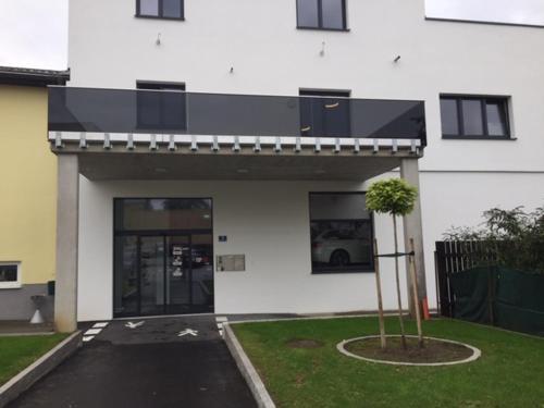 Motel - Neumarkt Teil der PG - Glasbau GmbH, Grieskirchen