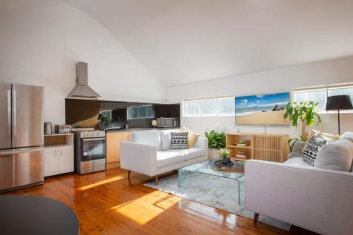 Sunlit Two-Bedroom Unit With Sprawling BBQ Deck, Marrickville