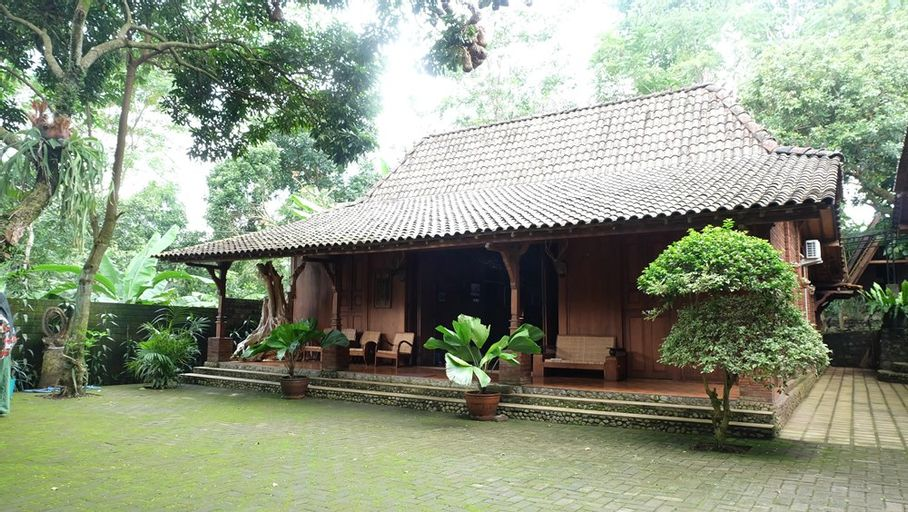 Villa Simply Homy Bandungan bawah ( 3 Bedrooms mountain view), Semarang