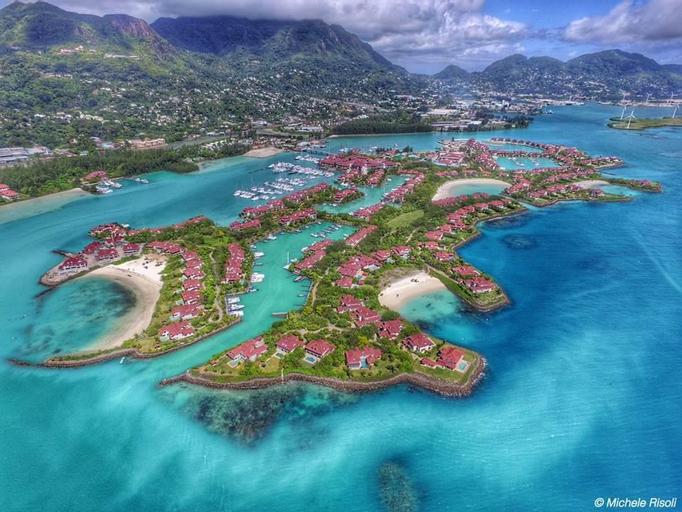 Eden Island Luxury Accommodation - Self Catering Resort,