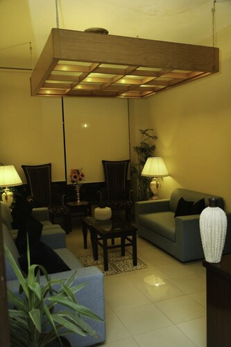 Royal Elegance Hotel, Lahore