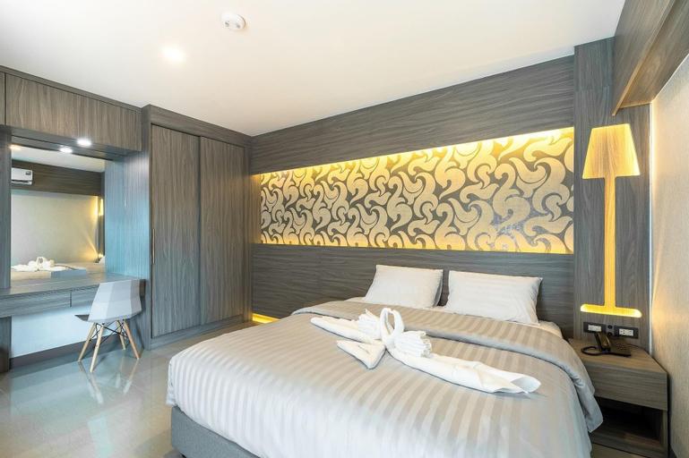 Sound At Sleep Hotel, Din Dang