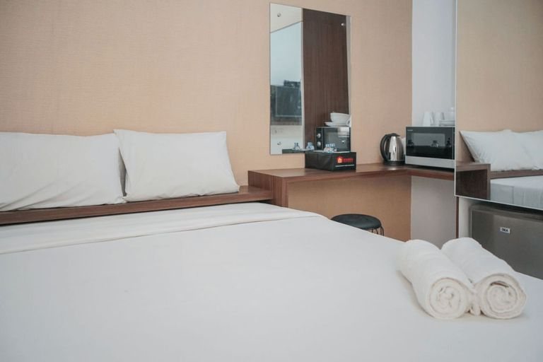Super Cozy Studio Apartment at Aeropolis Residence 3 By Travelio, Tangerang