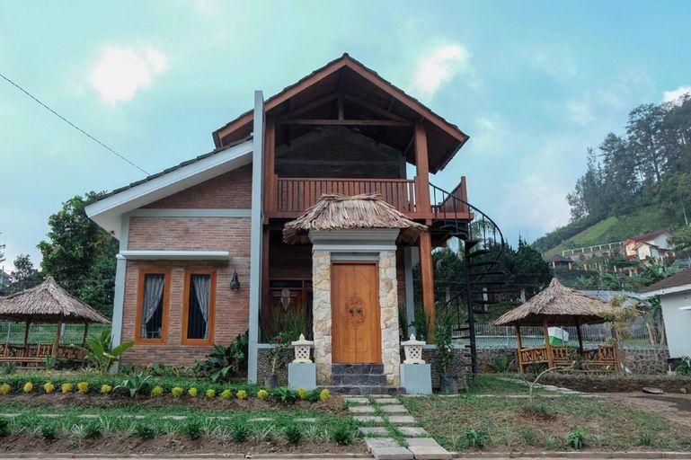 Kampoeng Bali Villa, Karanganyar