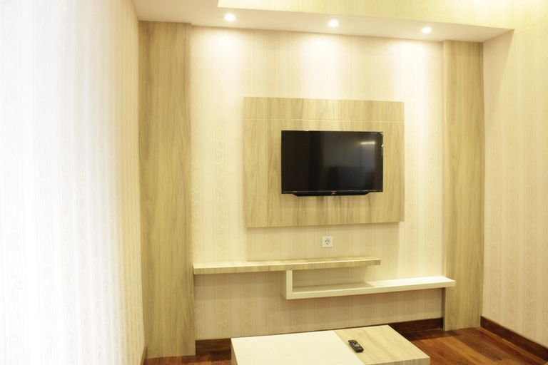 Homey and Chic 2BR Apartment Newton Residence By Travelio, Bandung
