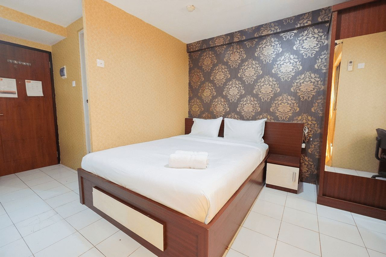Pool View Studio at Kebagusan City Apartment By Travelio, Jakarta Selatan