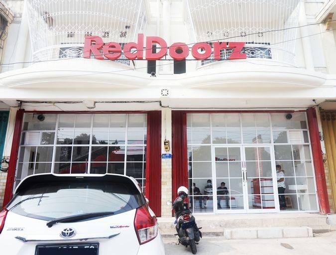 RedDoorz @ Jalan Tanjung Blitar, Blitar