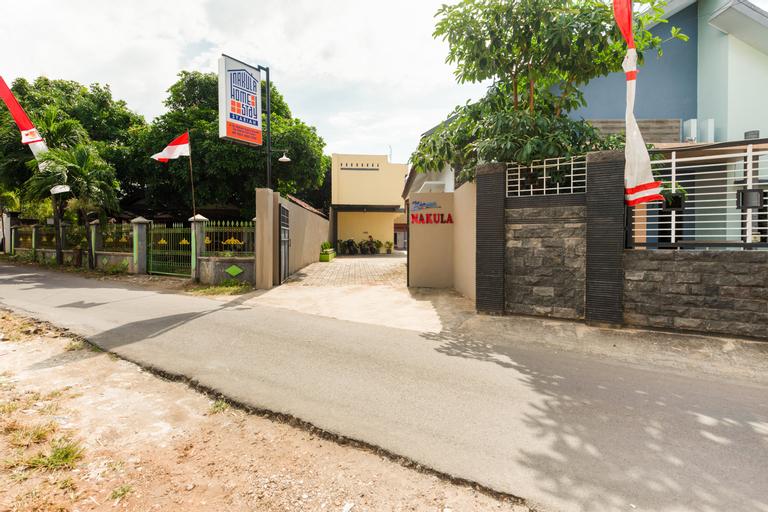 OYO 3387 Nakula Homestay Syariah, Tuban