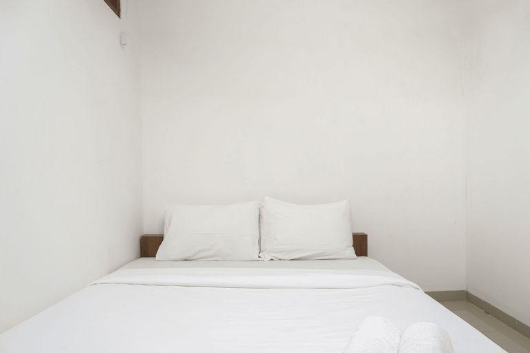 Minimalist Studio 1st Floor at Meruya 8 Puri Kembangan By Travelio, West Jakarta
