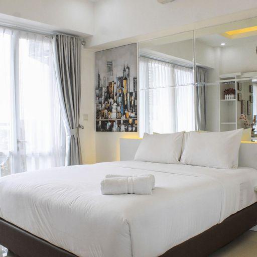 Fabulous Studio Ambassade Apartment By Travelio, South Jakarta