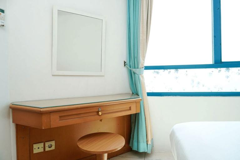 Simply 1BR Pangeran Jayakarta Apartment By Travelio, Central Jakarta