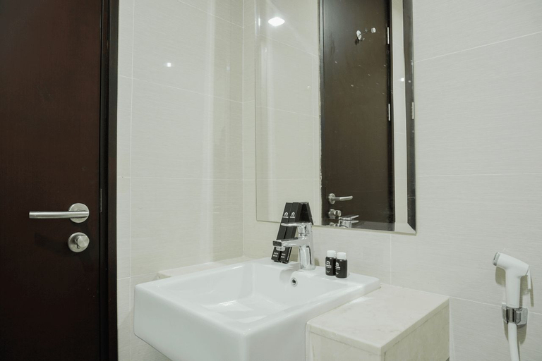 Gorgeous 2BR Puri Mansion Apartment By Travelio (permanently closed), West Jakarta