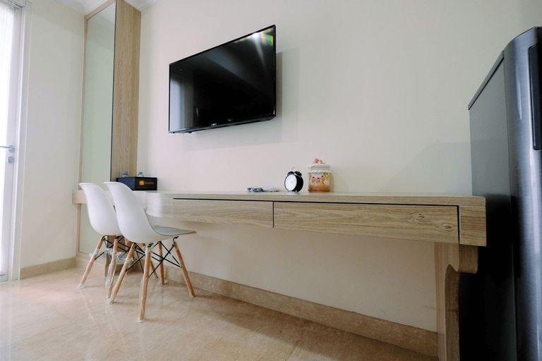 Spacious Studio Menteng Park Apartment By Travelio, Central Jakarta