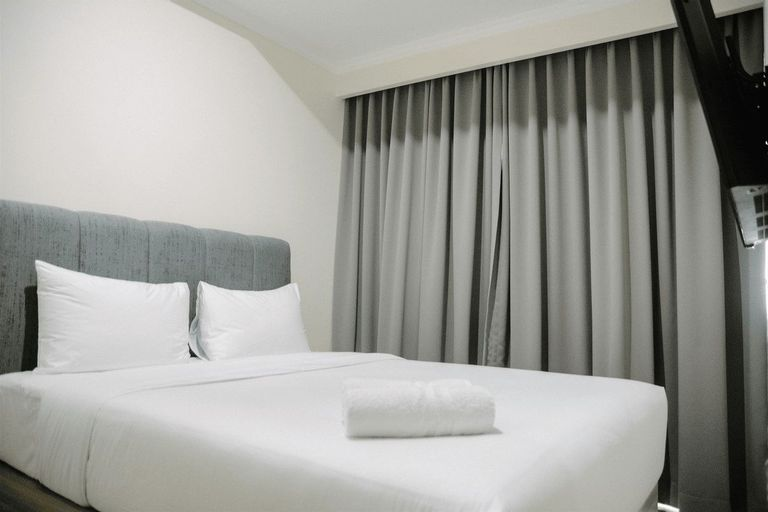 2BR Deluxe and Modern Menteng Park Apartment By Travelio, Central Jakarta