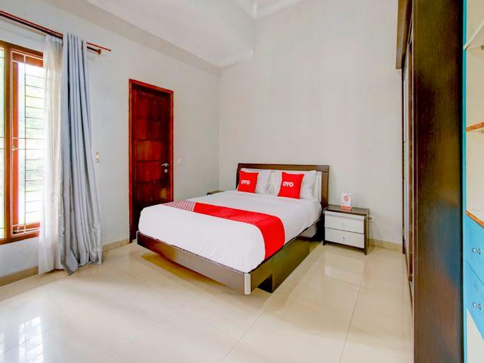 OYO 90006 Dieng Ellen's House Syariah, Malang