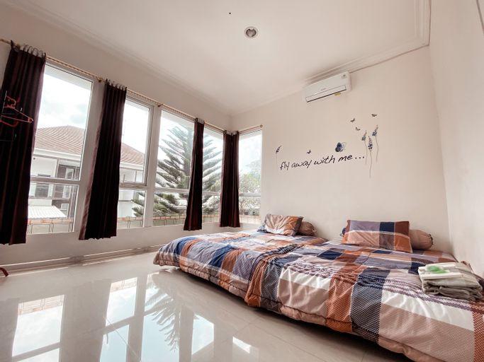 4 Bedrooms Villa at Springhill Garden Malang, Malang