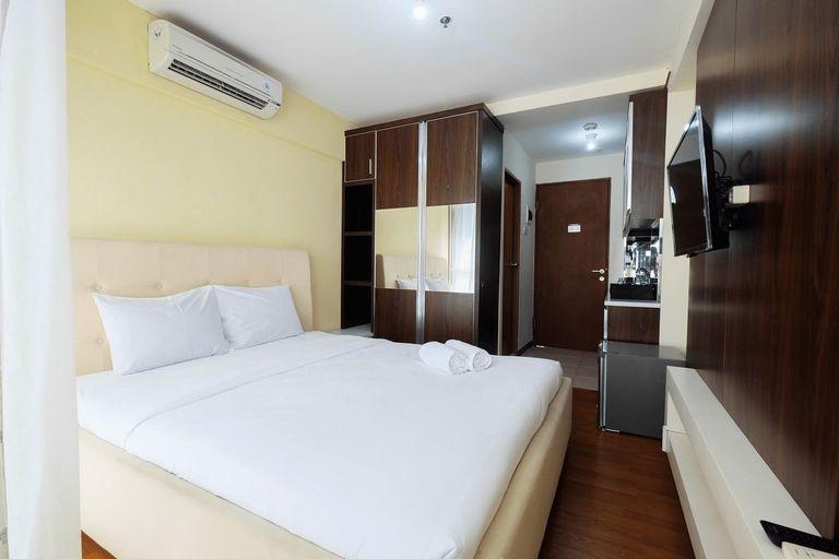 Comfy Studio Tifolia Apartment By Travelio, North Jakarta