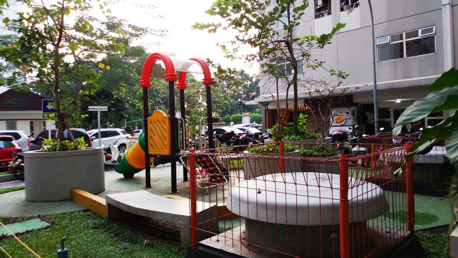 2 BR Kalibata Apartment With Sofa Bed Near Shopping Center By Travelio, South Jakarta