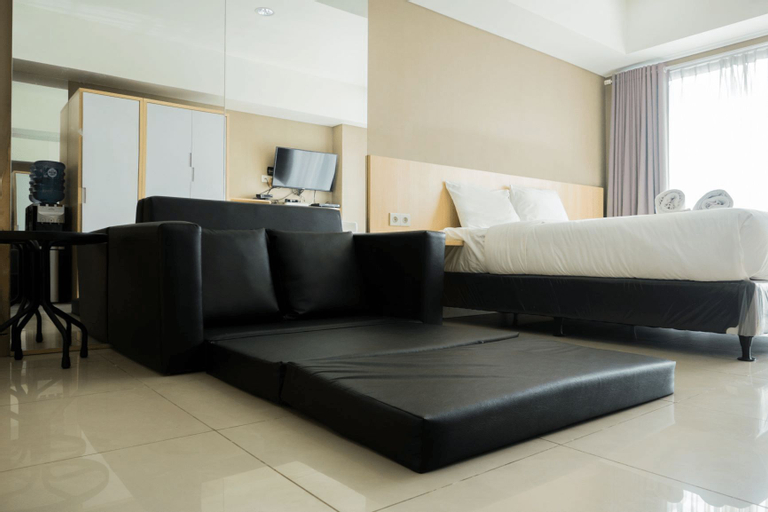 Strategic Studio Apartment at Tamansari La Grande near BIP By Travelio, Bandung