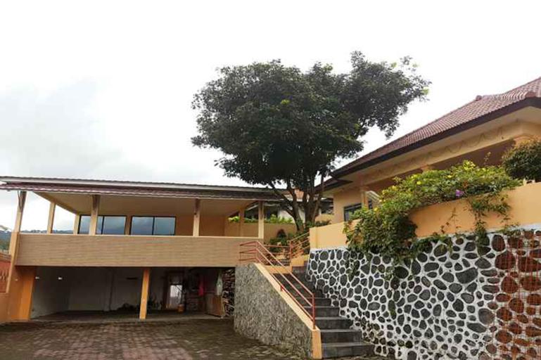 Opulence Parama Mountain View Villa, Malang