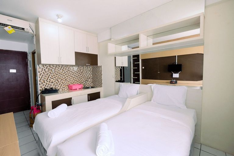 East Park Studio Apartment with Twin Beds By Travelio, Jakarta Timur