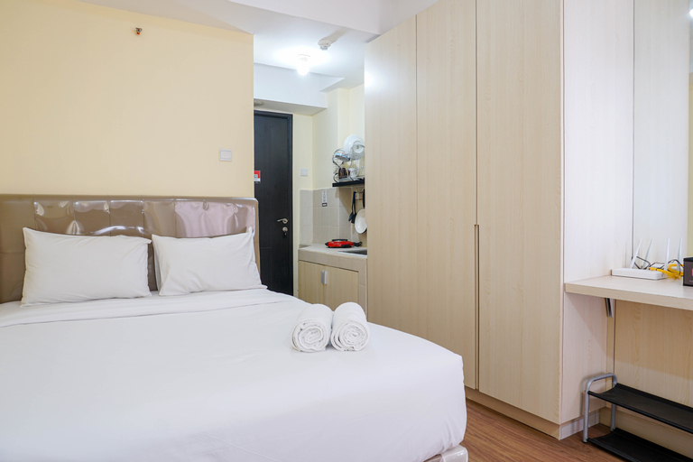 Comfy Studio Apartment at Belmont Residence By Travelio, West Jakarta
