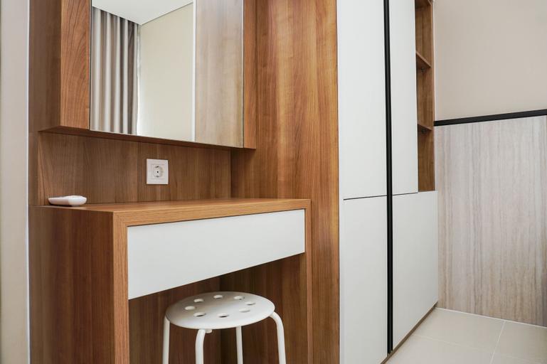 Comfortable Design 1BR Apartment Ciputra International Puri By Travelio, West Jakarta