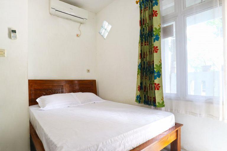 OYO 3408 Merica Place Syariah Near Rumah Sakit Bhineka Bakti Husada, Tangerang Selatan