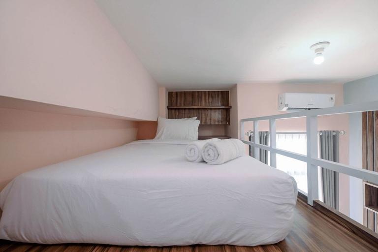 Minimalist and Comfy Studio Dave Apartment By Travelio, Depok