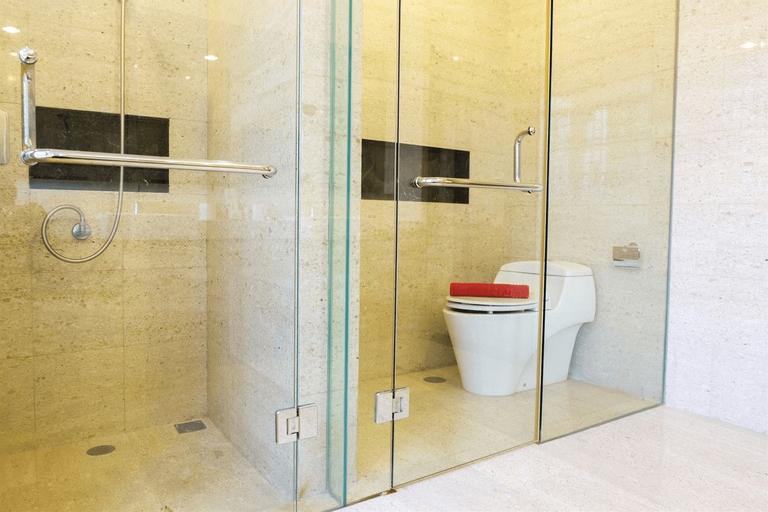 Luxurious 3BR Senopati Suites Apartment near SCBD By Travelio, Jakarta Selatan
