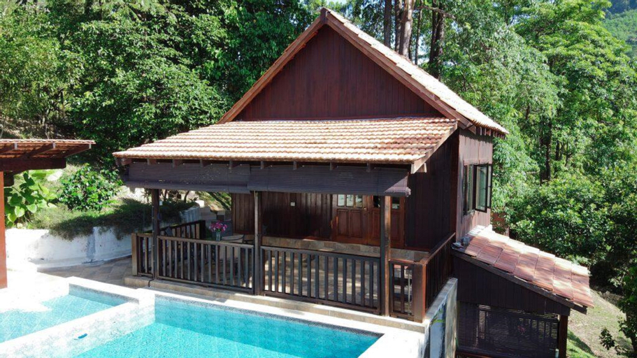 Esmeralda House @ De Serenity Pantai Hills Eco Nature Resort, Seremban