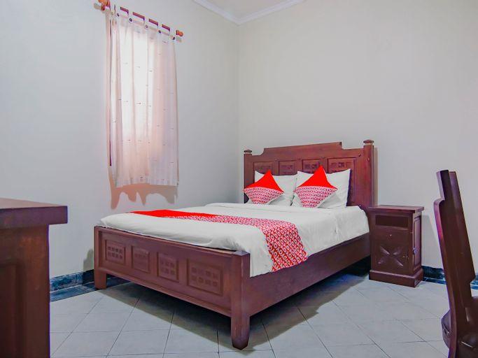 OYO 90094 Gayatri Residence, South Jakarta