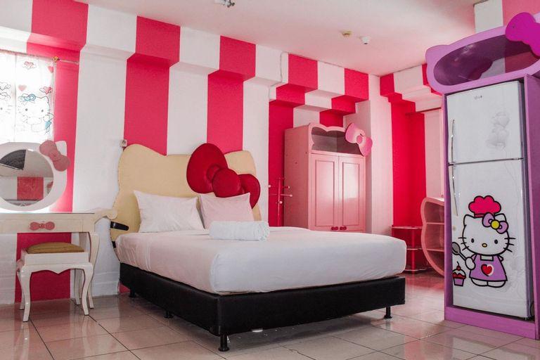 Spacious Studio Hello Kitty Theme at Green Bay Apartment By Travelio, Jakarta Utara