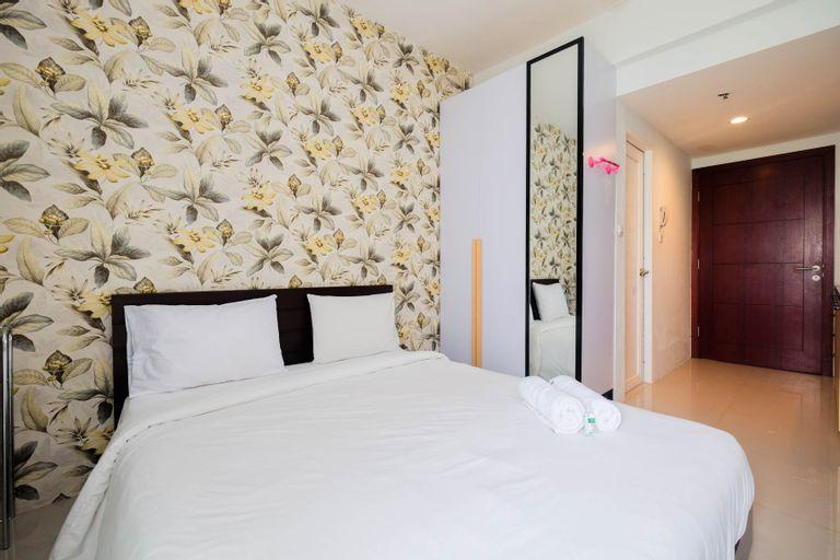 Brand New Furnished Studio Apartment at Tamansari Mahogany By Travelio, Karawang