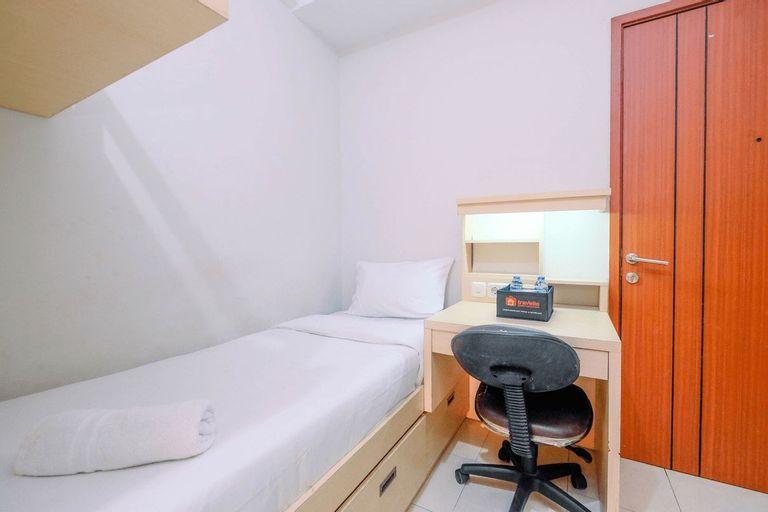 Minimalist and Cozy Studio Margonda Residence 4 Apartment By Travelio, Depok